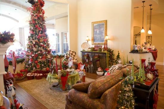 Christmas Idea House 2009 - Family Room